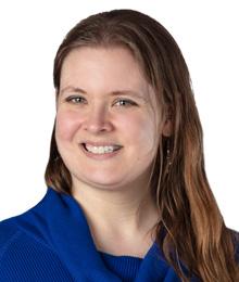 Elizabeth Barchenger Headshot
